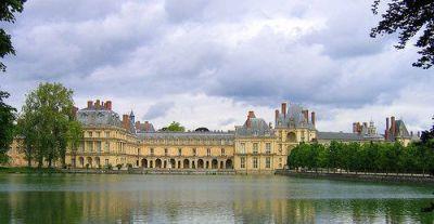 フォンテーヌブロー宮殿 フランソワ1世の回廊 絵皿の回廊 ★宮殿の各棟をつなぐために作られた建物